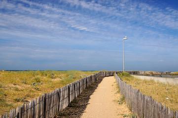 Chemin vers la plage de La Cotinière sur l'Île d'Oléron