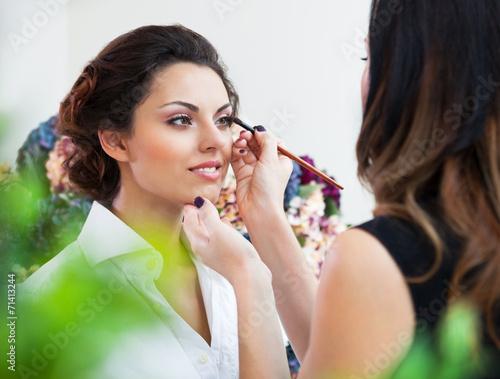 Нанесения свадебного макияжа в