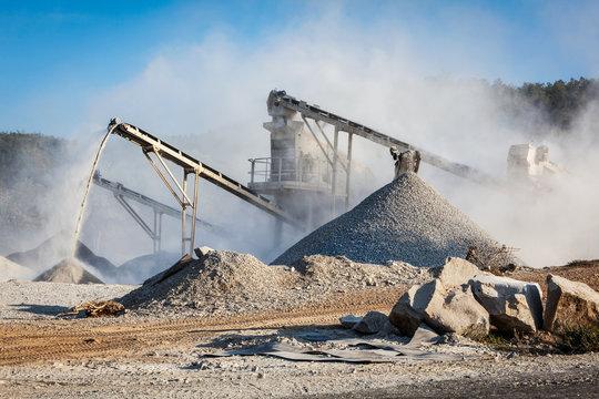 Industrial crusher - rock stone crushing machine