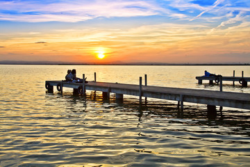 Tuinposter Pier enbarcaderos en el mar rizado