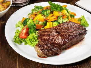 Entrecote double mit Gemüse
