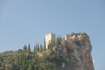 Wall Mural - Arco - Festung am Gardasee