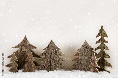handgemachte weihnachtsb ume aus holz geschnitzt dekoration stockfotos und lizenzfreie bilder. Black Bedroom Furniture Sets. Home Design Ideas