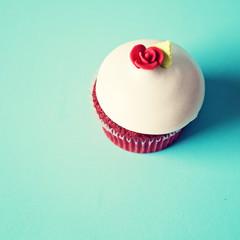 Vintage red cupcake