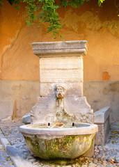 Fototapeten Fontane Pernes les fontaines