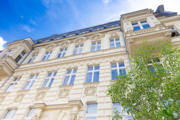 Haus  in Deutschland, Haus und Baum - Berlin