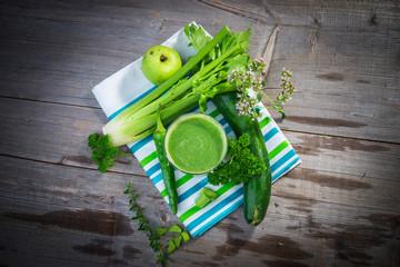 Wall Mural - Healthy green juice