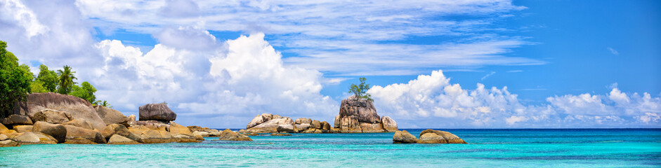 Wall Mural - Mahe coastline panorama with typical granite rocks, Seychelles