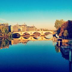 Bridge in sunny Paris