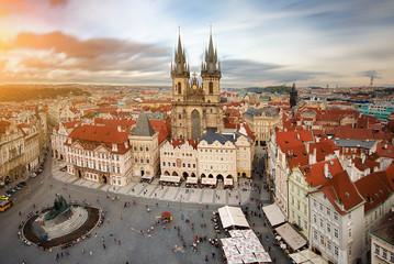 La pose en embrasure Prague Widok na rynek starego miasta Praga,Czechy.