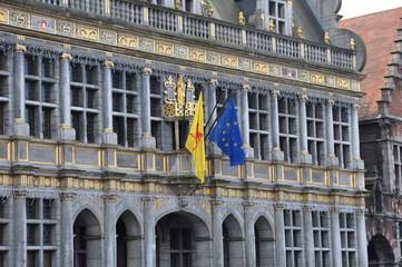 Façade de la halle aux draps de Tournai en Belgique