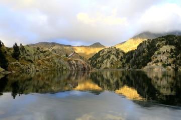 Lac et barrage Colomers, Spain