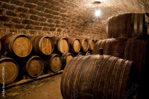 Fototapete Barrels in a hungarian wine cellar