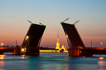 St.-Petersburg, the raised Palace bridge