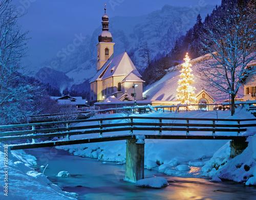 weihnachtliche kapelle von ramsau bei berchtesgaden. Black Bedroom Furniture Sets. Home Design Ideas