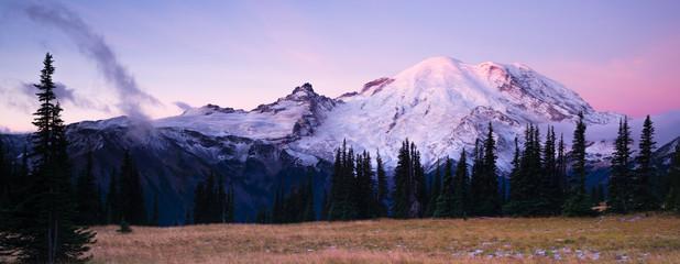 Wall Mural - Sunrise Mt Rainier National Park Cascade Volcanic Arc