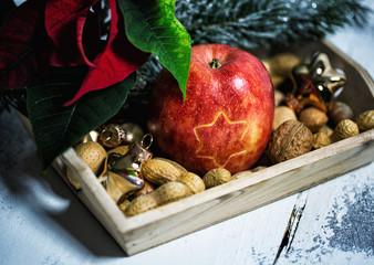 Äpfel und Mandel