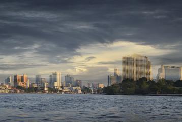 Fototapete - Bangkok cityscape Modern building river side
