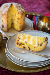 Panettone with lemon-mascarpone filling