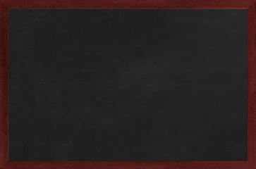Kreidetafel mit dunklem Holzrahmen