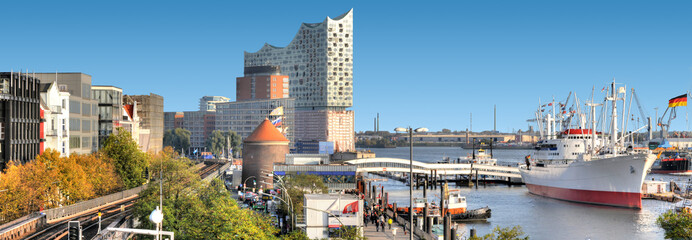 Hamburger Hafenpanorama.