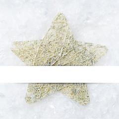 Stern im Schnee mit Textfreiraum