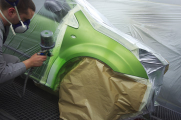 carrossier - cabine de peinture