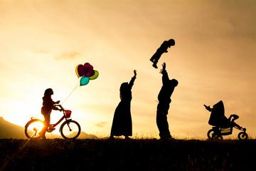 sağlıklı ve huzurlu bir aile tablosu