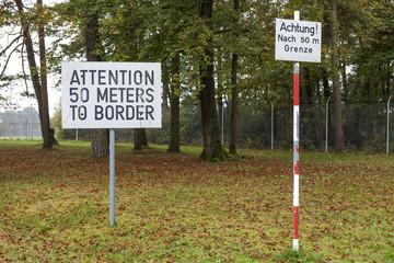 Schild Grenze Hinweis