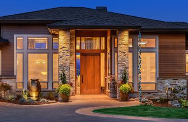 Elegant front door of home with welcome mat Fototapete