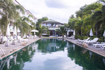 Hotel and swimming pool at Choeng mon