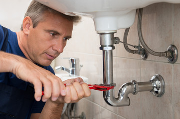 Plumber Repair Water Pipe