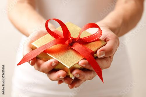 Кому дарить подарки сделанные своими руками