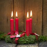 rustikales weihnachtsfenster mit kerze stockfotos und. Black Bedroom Furniture Sets. Home Design Ideas