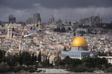Dunkle Wolken über Jerusalem