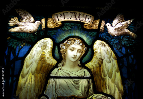 Wall mural Angel withe doves and peace