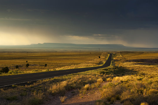 Highway 264 bei Gallup In New Mexico, USA
