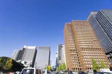 快晴青空 和田倉門より 丸の内 大手町 高層ビル街を望む