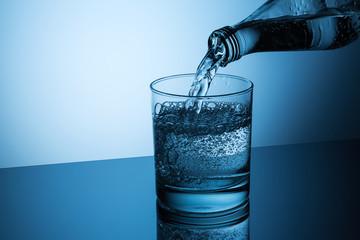 pour fizz water