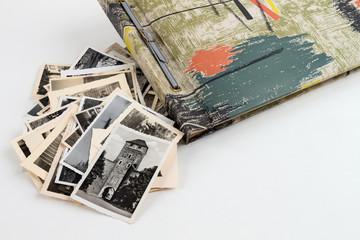 Fotoalbum angeschnitten mit vielen Bildern Seitlich