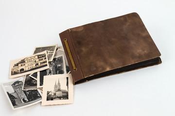 Omas Fotoalbum um 1940 braun mit Bildern seitlich