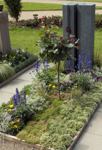 grabbepflanzung rahmenbepflanzung stockfotos und. Black Bedroom Furniture Sets. Home Design Ideas