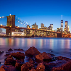 Fotomurales - Beautiful shot of Brooklyn Bridge at twilight
