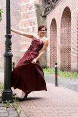 Tanzende Frau outdoor