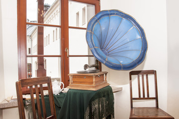 room with the gramophone