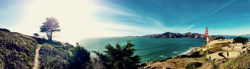 Awesome panorama of the famous San Francisco's bridge