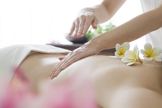 Women of aroma oil massage