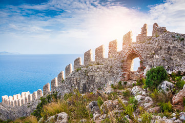 Deurstickers Turkije The wall of an ancient fortress on the hill in Alanya, Turkey