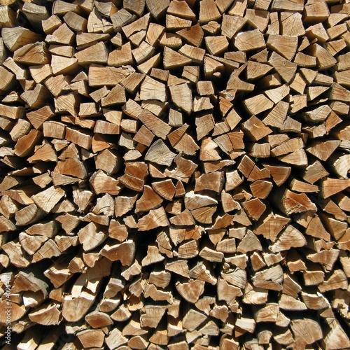 holz vor der h tte zaun aus brennholz stockfotos und lizenzfreie bilder auf. Black Bedroom Furniture Sets. Home Design Ideas