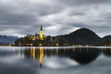 Wczesny świt nad jeziorem Bled,Słowenia